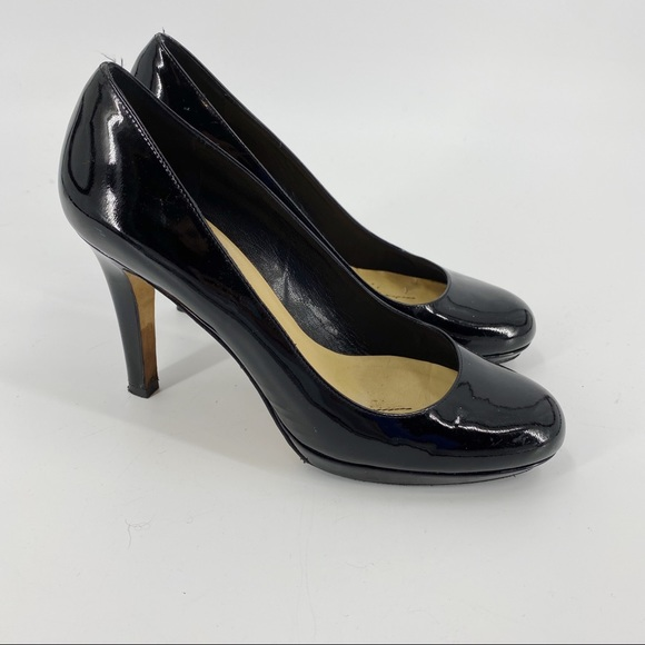 Kate Spade black patent leather rounded toe pumps